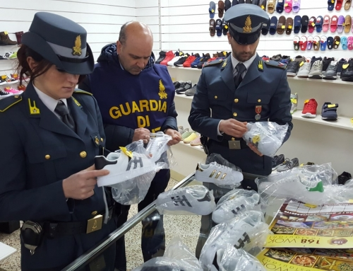 La Spezia, maxi sequestro di 1600 articoli contraffattiLa guardia di finanza scopre un magazzino di stoccaggio a Fiumaretta